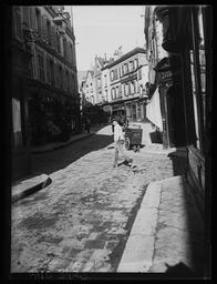 Chartres. Le carrefour des Quatre coins / Gustave Fouju |