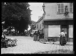 Petits marchands près Porte Guillaume / Gustave Fouju |