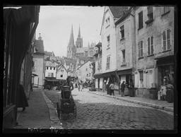 Chartres. Laitière près de la Porte Guillaume / Gustave Fouju |