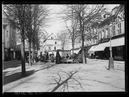 Rue du Cygne, marché aux Fleurs / Gustave Fouju |