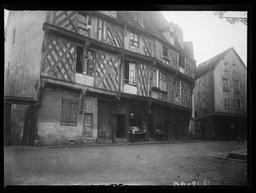 La Maison du Saumon / Gustave Fouju |