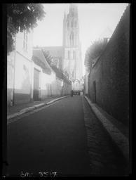 Rue de Beauvais et cathédrale / Gustave Fouju |