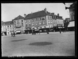 Place des Epars / Gustave Fouju |