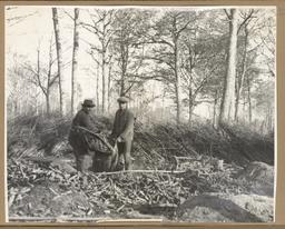 [Paysans dans les bois] | Houdard, Georges (1883-1944)